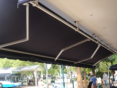Blind Elegance Retractable Awnings