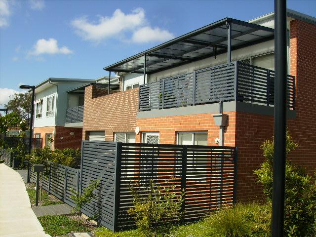 aluminium and polycarbonate patio cover