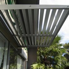 aluminium cantilevered awning sydney on shopfront