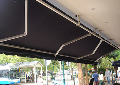 Retractable-Awning